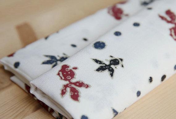 3764 - Japanese Kimono Goldfish Cotton Fabric - 43 Inch (Width) x 1/2 Yard (Length)
