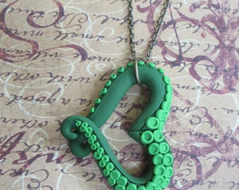 I Heart Cthulhu - Tentacle heart necklace