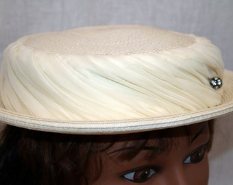Vintage Ivory Crepe Straw Hat with Rhinestone Button - Bowler Pillbox style