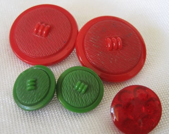 2 Sets of 2 VINTAGE Red & Green Glass BUTTONS