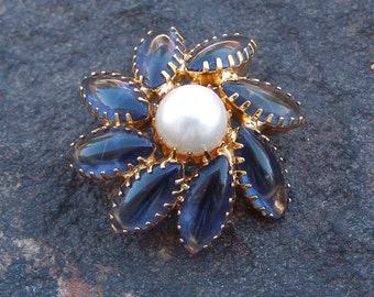 Brooch, Pin, Vintage Jewelry, Vintage Blue Flower Brooch with Faux Pearl
