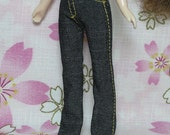 Jeans for Middie Blythe