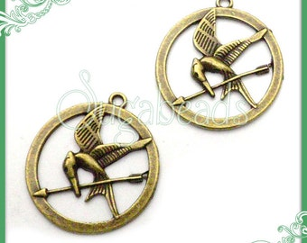 6 Metal Round Bird Pendant or Charm Antiqued Brass 27mm PB30