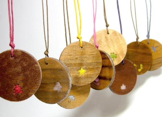 DESIGN YOUR OWN Necklace/ Custom made double sided pendant/ Personalized felt wood pendant/ customize your own jewelry