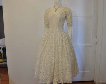 50s dress / Vintage 1950's Wedding Dress Lace Full Skirt
