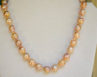 Peachy Ripple Pearl Necklace