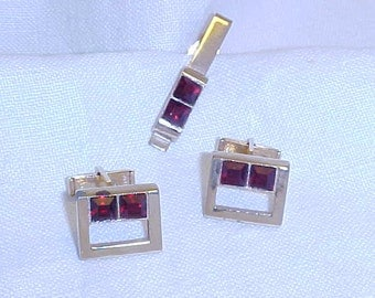 1950's Red Faceted Glass and Goldtone Tie Clasp and Cuff Links Set