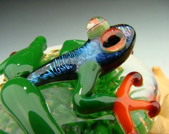 Dichroic Glass Frog Paperweight Figurine Green Orange Red eyes color changing (made to order)