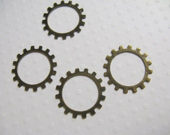 Vintage Look Brass Gear 18mm - set of 4 Lead and Nickel free
