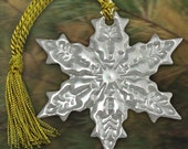 Porcelain Pearl Snowflake (pointed) Lustre Glazed