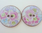 2 x Ceramic Buttons With Floral Pattern