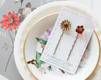 Nelly - Rustic bobby pins with vintage treasures