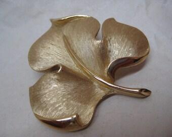 Leaf Gold Brooch Vintage Pin Trifari Crowned