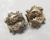 Repousse Earrings Retro Vintage Forties Jewelry E5761