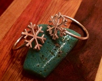 Silver snow flake ring