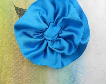 SUMMER FLOWER POWER Royal Blue Ribbon Rosette Pin....