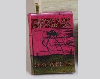 The War of the Worlds - Mini-Book Pendant - H.G. Wells - *Steampunk* - The War of the Worlds - Sci Fi Jewelry, Book Jewelry, Science Fiction