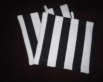 Set of 2 Potholders in Black and White Cabana Striped fabric