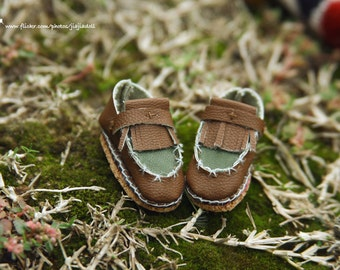 jiajiadoll- Handmade- coffee brown army green leather shoes fits momoko- blythe -Misaki- Unoa light- Lati yellow