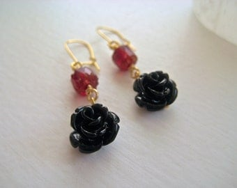 Romantic delicate gold earrings – glass and enamel rose