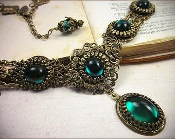 Emerald Renaissance Necklace, Green Tudor Jewelry, Ren Faire Bride, Bridal Jewelry, Medieval Costume, SCA Garb, Borgias, Lucia
