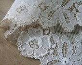 Antique Flower, Bow LACE - 1 Yard