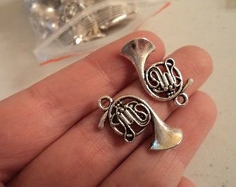 French Horn Charms - set of 8 - #F146