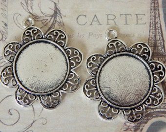 20 Flower Edge Pendant Trays 25mm Round Antique Silver / 1 inch Bezels