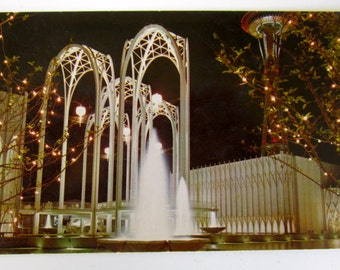 1962 Seattle Worlds Fair Science Pavilion with Space Needle Post Card