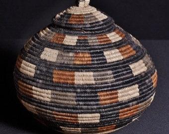 "Vintage African Zulu Beer Basket - Ukhamba 10"" H X 32""C"