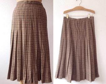 Pendleton Wool Skirt / vintage plaid skirt / Houndstooth pleated skirt
