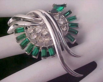 REDUCED~nsigned CORO Emerald Green Baguettes & Diamante Silver Plate Brooch