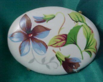 Charming PORCELAIN Hand Painted Florals Oval Brooch