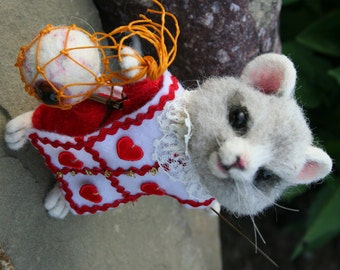 Tha Mad Hatter's Sidekick, Mallymkum, the Dormouse OOAK Needle felted Artist Character Doll