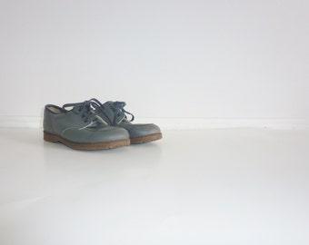 Vintage Grey Lace-Up Shoes