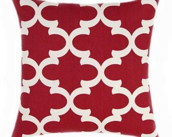 Premier Prints Fynn Timberwolf Red Quatrefoil Decorative Throw Pillow - Free Ship