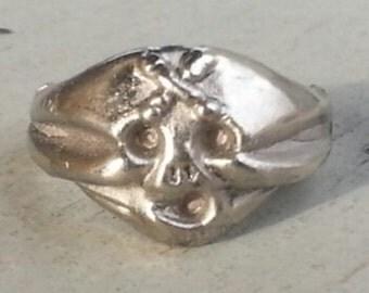 1970s Pirates of Caribbean X FOREHEAD SKULL Disney Land Skull Ring
