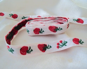 Cherries Strawberries vintage ribbon trim red green on white