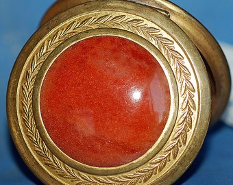 vintage round makeup compact from an estate sale, home decor, accessories, coolvintage, collectibles, ornate, looks great, UA