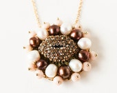 Gold crystal lips white and chocolate brown pearl blush gold pendant necklace