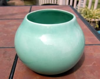 Vintage Red Wing USA Green Vase Pot