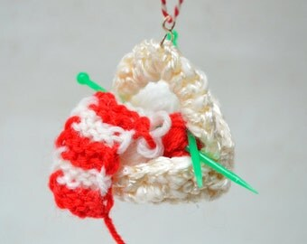Mini Knitting Basket - Christmas Tree Ornament - Red White Yarn - Gift for knitter