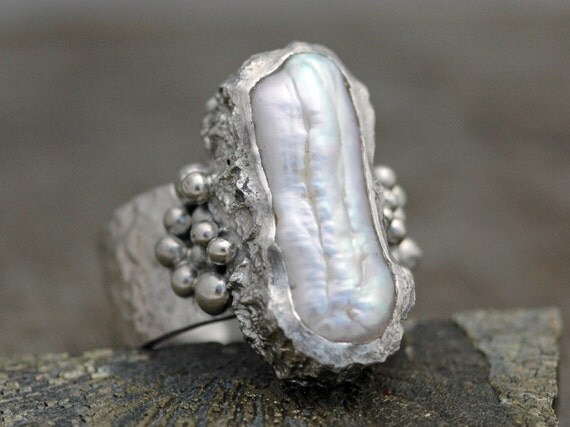 Biwa Pearl in Textured Sterling Silver Ring Tapered Wide Band