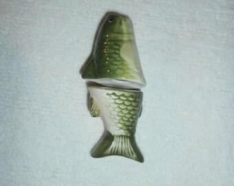 Salt & Pepper Shakers: Fish ~ Figural NOVELTY Big  Mouth  Bass Fish