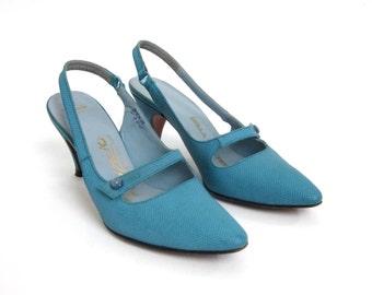 Vintage 1960s Womens Size 3.5 Pumps / 60s Palizzio Slingback Kitten Heels / Robins Egg Blue