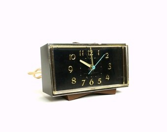 GE Faux Bois Electric Alarm Clock 60s