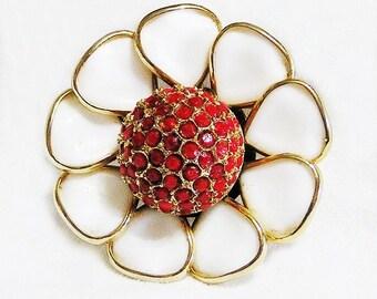 Lovely Molded Glass Sunflower Brooch