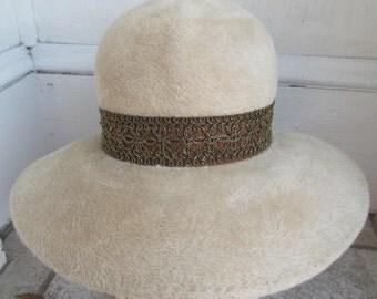 Vintage 1970s Wide Brim Boho Metallic Band Hat S 22