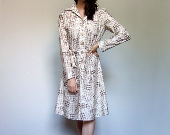 70s Ivory Dress Houndstooth Long Sleeve Shirt Dress Casual Day Dress Spring Fall Fashion - Medium M