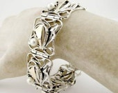 Breathtaking Sterling Silver and 9K Yellow Gold  Pearl Bracelet (s b1614